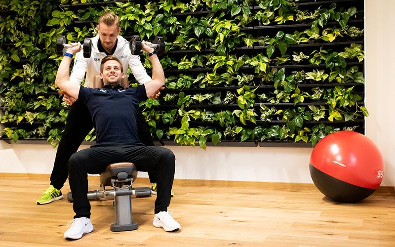 Freihanteltraining-Muskeltraining-Betreuung-Gesundheitsforum