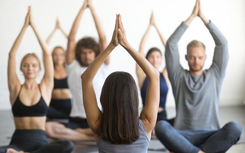 fitness-kurs-therapeutisches-yoga-gesundheitsforum-offenstetten